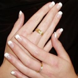 FRENCH MANICURE TIPS FOR WOMEN - I love doing french manicures on myself. I stopped going to nail salons for my mani-pedis (unless it's a clean, upscale place and I have the extra $$ for it).
