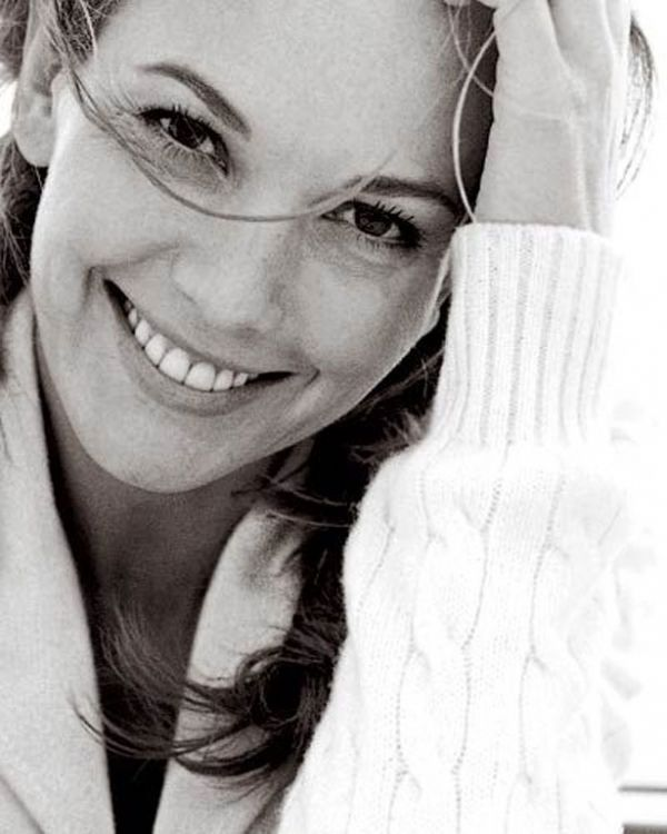 Diane Lane, actress. It's amazing how I stumble upon a photo that matches the character image in my mind. I wasn't sure who would fill the role of Julia, but once I saw this picture of the stunningly natural beauty of Ms. Lane, I knew it was perfect. Julia has been found.