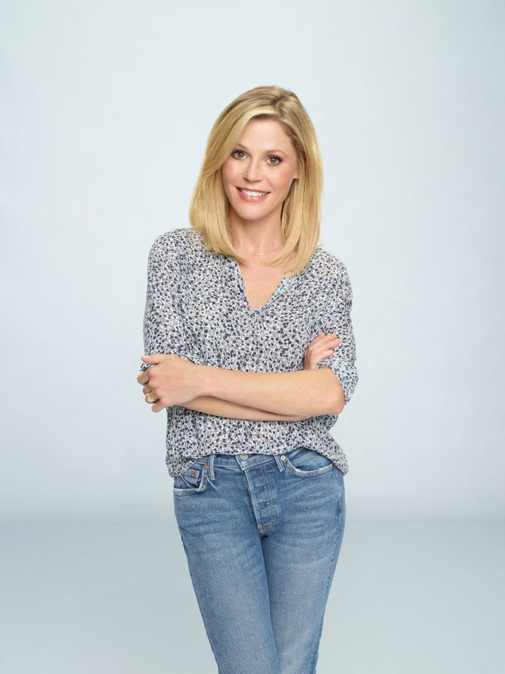 Julie Bowen as Claire Dunphy in #ModernFamily - Season 2