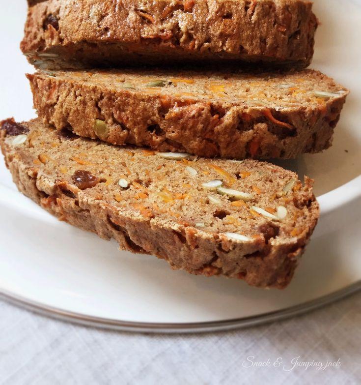 Ce pain vitaminé est très moelleux et surtout, très nourrissant. Les carottes lui apporte une belle texture, les raisins secs une touche sucrée et les graines de citrouilles, un petit côté croquant que j'aime bien retrouver dans les pains. Trancher et servir au petit-déjeuner avec un peu de beurre vegan et un thé Chaï. Préchauffer…