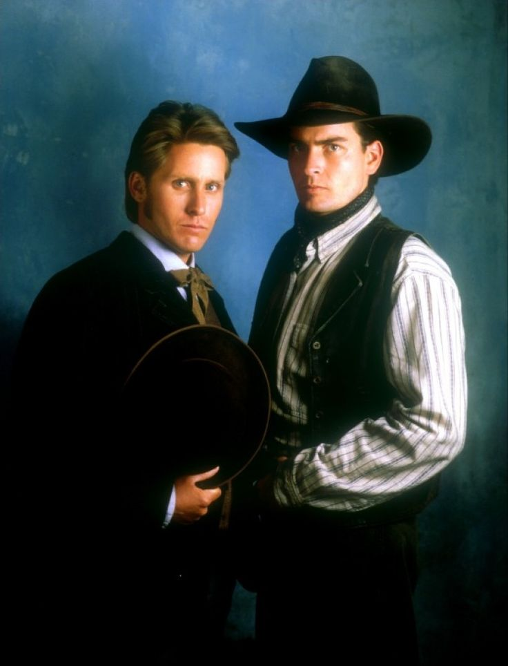 emilio estevez young guns: Charlie Sheen (real life brothers) Young Guns Image 3 sur 4