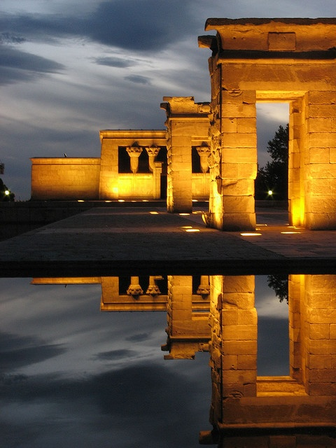 El Templo de Debod at the end of my street. Its like a real life temple run! Best sunsets here.