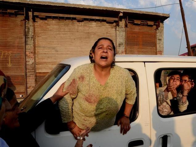 Boy's death sparks clashes in Srinagar
