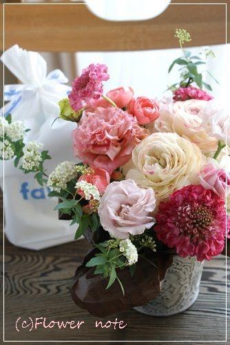 『【今日の贈花】ご出産祝とママへのエール』http://ameblo.jp/flower-note/entry-11495572401.html