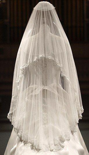 : Alexander Mcqueen, Duchess Of Cambridge, Wedding Dressses, Wedding Veils, Bridal Veils, Katemiddleton, Wedding Dresses, Gowns, Kate Middleton