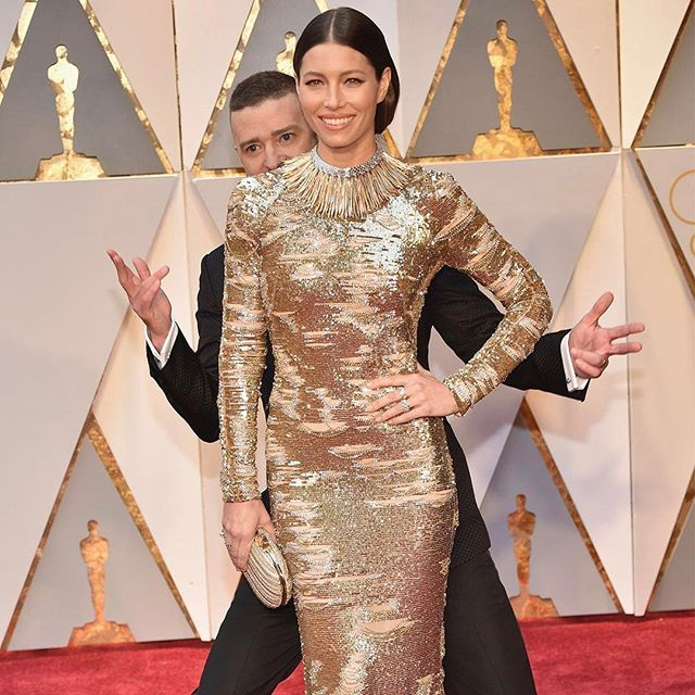 COUPLE GOALS Justin Timberlake photobombed Jessica Biel at the #Oscars and she aint mad about it. Hit the link in our bio to see all of the looks from the 2017 Oscars red carpet.  via COSMOPOLITAN AUSTRALIA MAGAZINE OFFICIAL INSTAGRAM - Celebrity  Fashion  Haute Couture  Advertising  Culture  Beauty  Editorial Photography  Magazine Covers  Supermodels  Runway Models