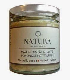 Truffelmayonaise van Natura  Een ambachtelijk bereide mayonaise die nog handmatig wordt gemaakt met kloppers. Een uniek proces dat dit Belgische bedrijf toepast, waardoor een uniek en zeer smaakvol product wordt verkregen. Aan deze mayonaise is de Italiaanse zomertruffel toegevoegd.   http://www.bommelsconserven.nl/producten_bommels_conserven_importeur_en_groothandel_delicatessen/hartige_zaken/smaakmakers/truffelmayonaise_online_kopen_bij_bommels_conserven/?p=1
