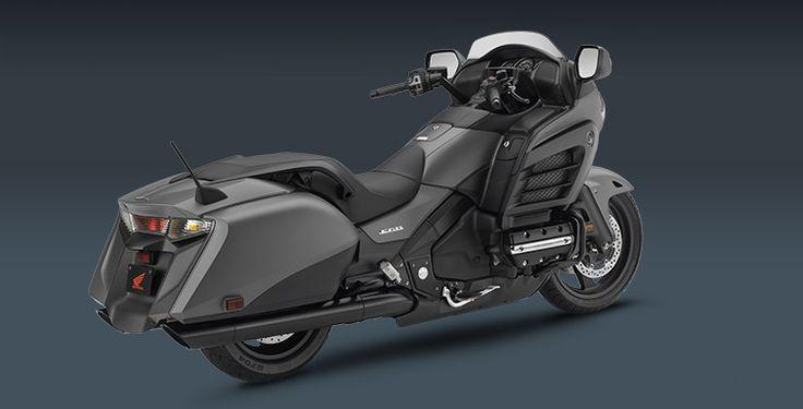 2015 Gold Wing F6B Overview - Honda Powersports. O el Batimovil de las motos.