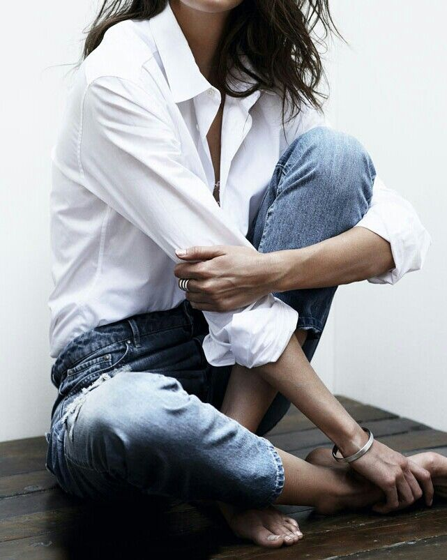 .☆ jeans and white blouse