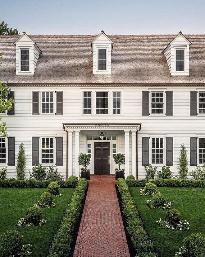 Classic Colonial Home Design In 2020 Colonial House Exteriors House Exterior Colonial Exterior