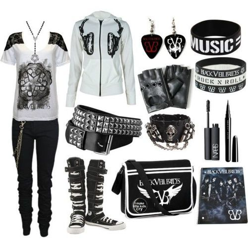 Again, aside from the BVB merch I like this outfit :)