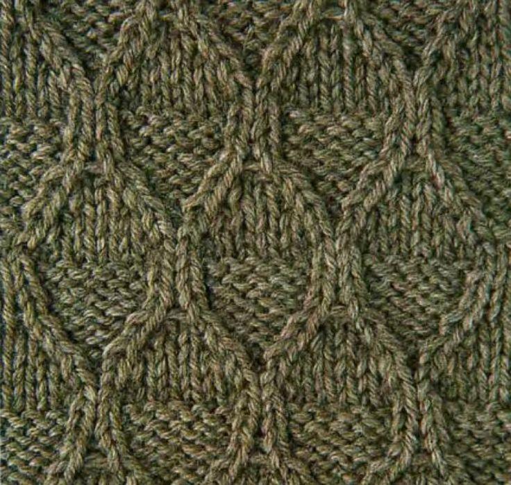 Рельефный узор ромбы спицами 4