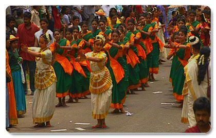Athachamayam marks the beginning of the ten-day Onam festival in Kerala. It is an occasion to witness almost all the folk art forms of Kerala.