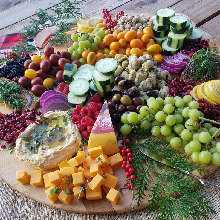 Don't forget the Seasonal Party Tray this weekend! Perfect for Dinner Parties, or Football Parties! Here are the ingredients I used: Add variety of smoked wild-caught salmon Fresh lemon slices Thin sliced red onion Marinated artichoke hearts Kalamata olives Cucumber slices Hummus Grape tomatoes...
