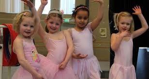 peuters vinden het leuk om op muziek te dansen