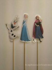 Frozen traktatie prikkers. www.hiephoeraiktrakteer.nl