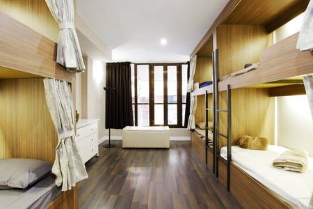 Regardez ce logement incroyable sur Airbnb : Private Room in Hostel with 11 Beds - Dortoirs à louer à Barcelone