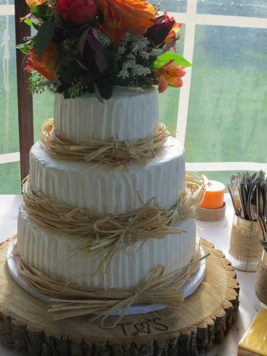 simple wedding cakes pinterest simple country wedding cake wood slab bottom use slab of 20089