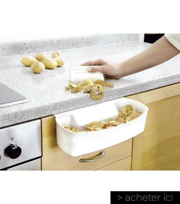 Une coupelle et sa raclette pour collecter vos déchets facilement dans la cuisine  http://www.homelisty.com/vie-facile-objets-maison/