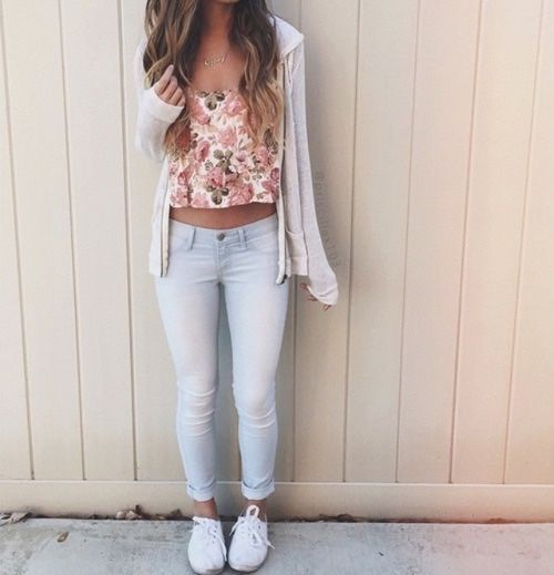 Cute Summer Outfits Tumblr With Jeans - Fads #ootd #nailart - http://urbanangelza.com/2016/01/17/cute-summer-outfits-tumblr-with-jeans-fads-ootd-nailart/?Urban+Angels http://www.urbanangelza.com