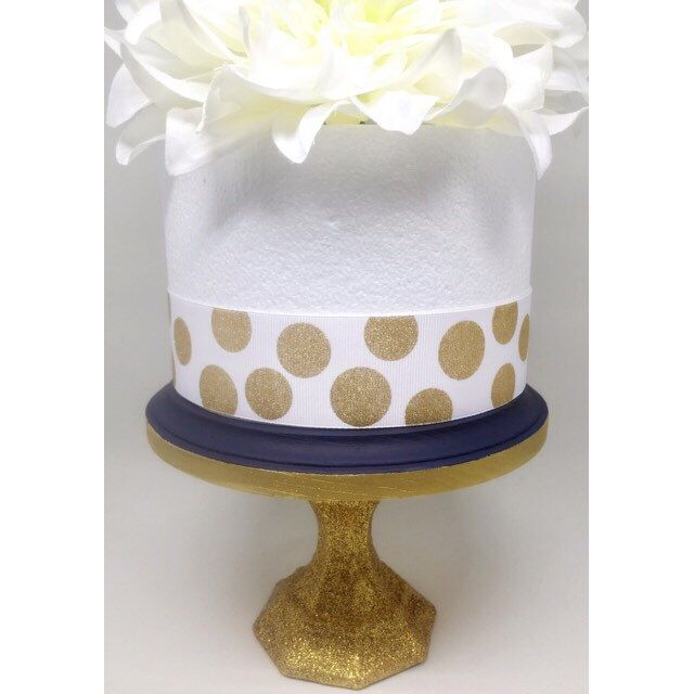 Smash cake stand / mini cake stand / cupcake stand / dessert stand / gold cake stand / cake pop stand/ glitter cake stand by CocktailNConfettiCo on Etsy https://www.etsy.com/listing/505752631/smash-cake-stand-mini-cake-stand-cupcake