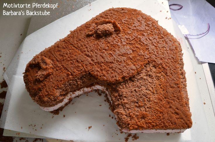 Barbara's Backstube: Pferdetorte (luftiger Schokokuchen mit Erdbeer-Quarkfüllung)