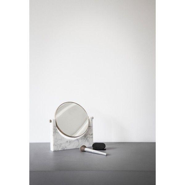 De Pepe #Marble #spiegel van #Menu is solide, duurzaam en bedoeld om voort te duren. De spiegel is ontworpen door #Studiopepe, die veelal geïnspireerd wordt door de late jaren 1950 in Italië. Ze werken daarom het allerliefst met duurzame materialen die nog mooier worden naarmate de jaren verstrijken. Een #designobject om elke dag te gebruiken en van te genieten, jaar na jaar. Verkrijgbaar bij #Flindersdesign #accessoires #badkamer #modern #design