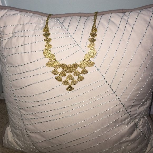 Stella and Dot necklace Gold statement necklace with extender with original box. Stella & Dot Jewelry Necklaces