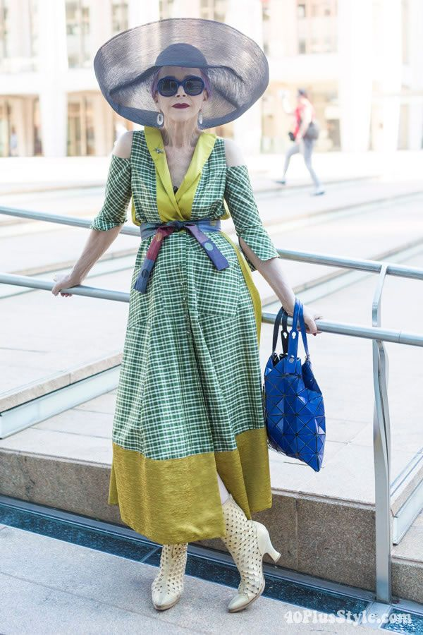 40+ Style inspiration: Beatrix Ost looking beautifully arty | 40plusstyle.com