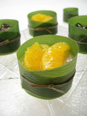 あっさりやわらかなお餅の上に、ほどよい甘味の小豆がたっぷり。 冷やすとより一層美味しい6月の和菓子『水無月』みなづき 三角の形は氷室の氷のカケ...