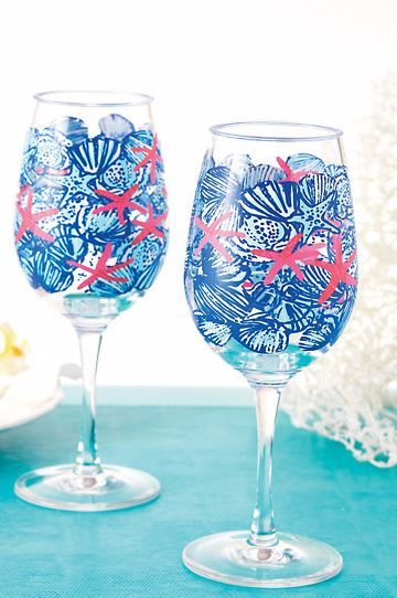 Lilly Pulitzer Acrylic Wine Glass Set shown in Resort White She She Shells.