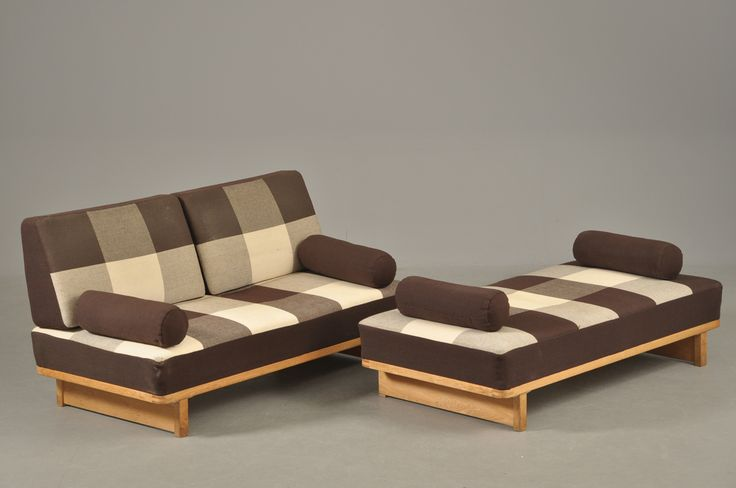 Daybeds, model 330.
