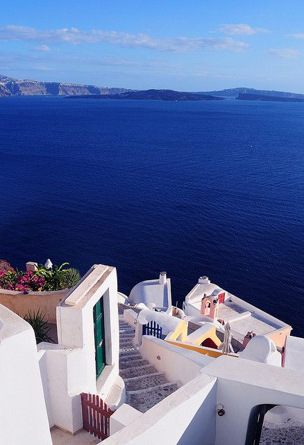 Santorini Vista, Greece... look at that water!: Santorini Greece, Favorite Places, Dreams Vacations, Sea, Travel, Honeymoons, The Buckets Lists, Beaches Vacations, Ocean View