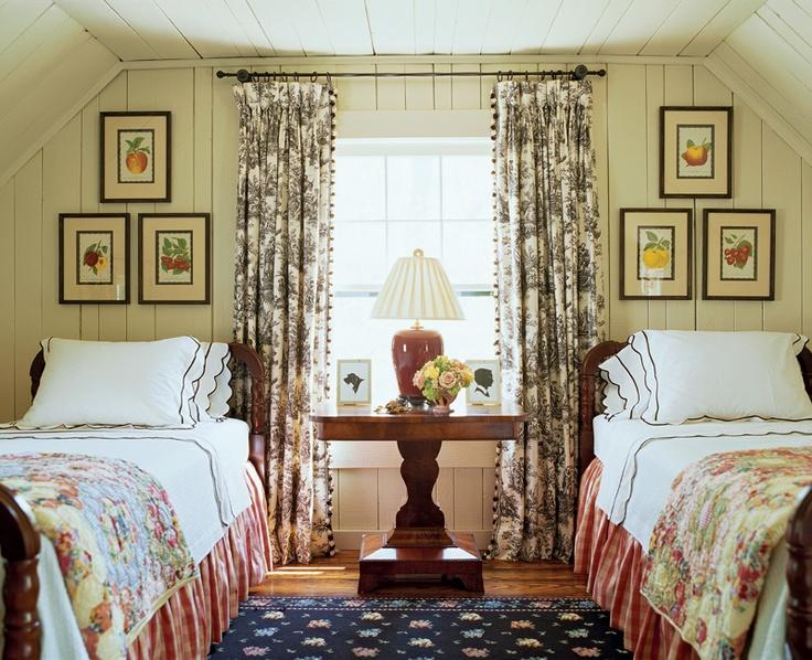 Cottage guest room. Designer: Ted Cleveland.
