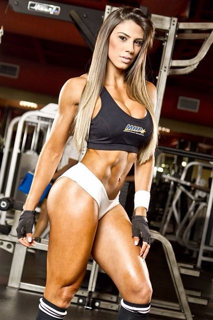 Gaining Muscle Mass — STRONG thighs and RIPPED abs of Brazilian muscle...