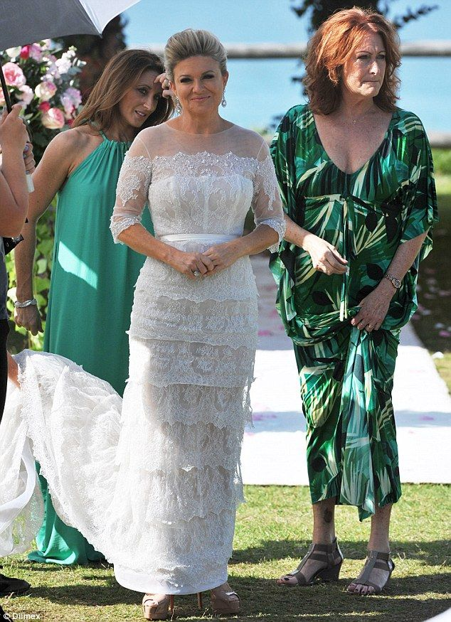 I know its a scene from 'Home & Away' but what a lovely wedding dress