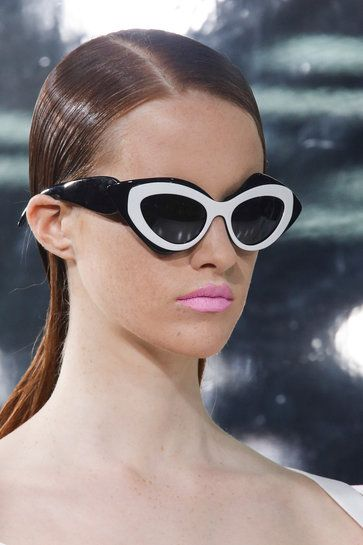 Делаем круглые глаза! 30 лучших моделей солнечных очков весны-2014 | m.wmj.ru