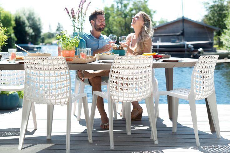 Pluz - resin design stackable gardenchair by Designer Ton Haas - Allibert sold by Tuinmeubelen.nl