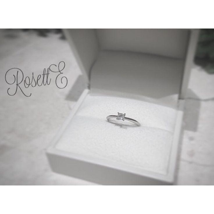 〜HOPE 希望〜 どんなときも なにがあっても 私たちは前を向いて 歩いてゆく その先に 二人の明日が待っているから *センターのダイヤモンドは プリンセスカットになっています* #RosettE#ロゼット #結婚指輪#マリッジリング #婚約指輪#エンゲージリング #結婚#結婚式#挙式#花嫁#プレ花嫁 #全国のプレ花嫁さんと繋がりたい #サプライズ#プロポーズ#記念日#入籍 #結婚準備#2016冬婚#2017春婚 #ダイヤモンド#リング #ウエディング#ブライダル #wedding#bridal#jewelry #cute#instagood#happy