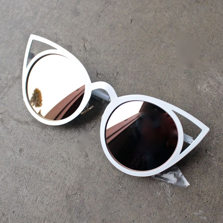 luna australia - alice white cat eye sunglasses with rose gold mirror lens - shophearts - 1