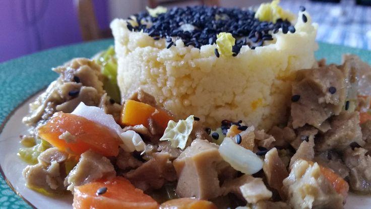 cuscus con stufato di verdure e seitan