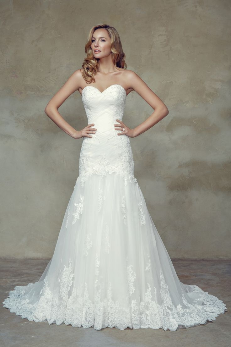 Best Price Of Elegant Trumpet Mermaid Sweetheart Chapel Train Tulle Fabric Ireland Wedding Dresses 2015 With Appliques Sequin Style Online Shopping