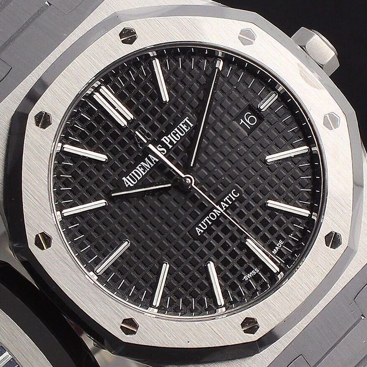 Work hard play hard  #Closeup of the #AudemarsPiguet #RoyalOak in #Stainless  Enquire on WhatsApp 447921339047  Finance Available   Part Exchange Available