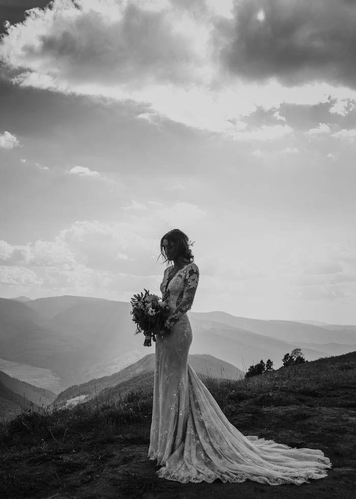 Stunning Ines Di Santo wedding gown | Image by Joel Bedford Weddings
