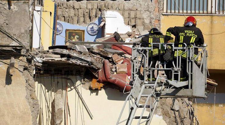 Κατέρρευσε τετραώροφο κτήριο στη Νάπολη - Επτά αγνοούμενοι