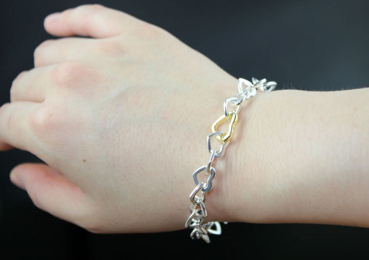 100% Sterring Silver Heart Linked Bracelet http://nyfashionstar.com/sterring-silver-heart-linked-bracelet.html