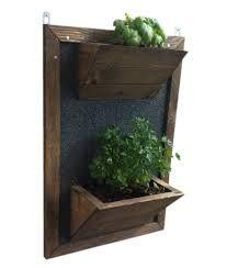 Resultado de imagen para maceta de madera pared macetas - Macetas para jardines verticales ...