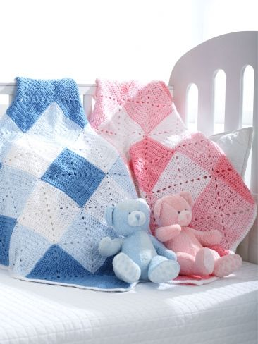 Free Pattern - Beautiful double diamond pattern in white with dark and light shades of pink or blue makes a classic gift for that special little one. #crochet