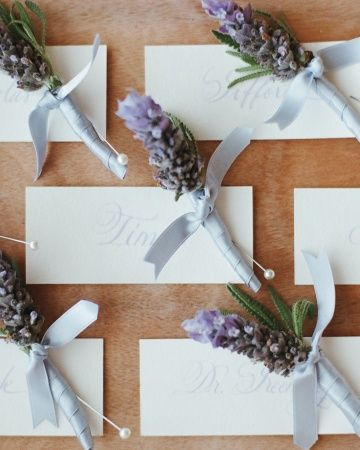 Lavender sprigs to accent groomsmen's suit jackets