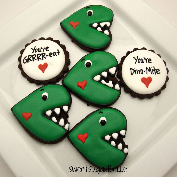 Dinosaur Valentine cookies - talk about awesome!!! They're definitely going in my idea file for my son's class party.